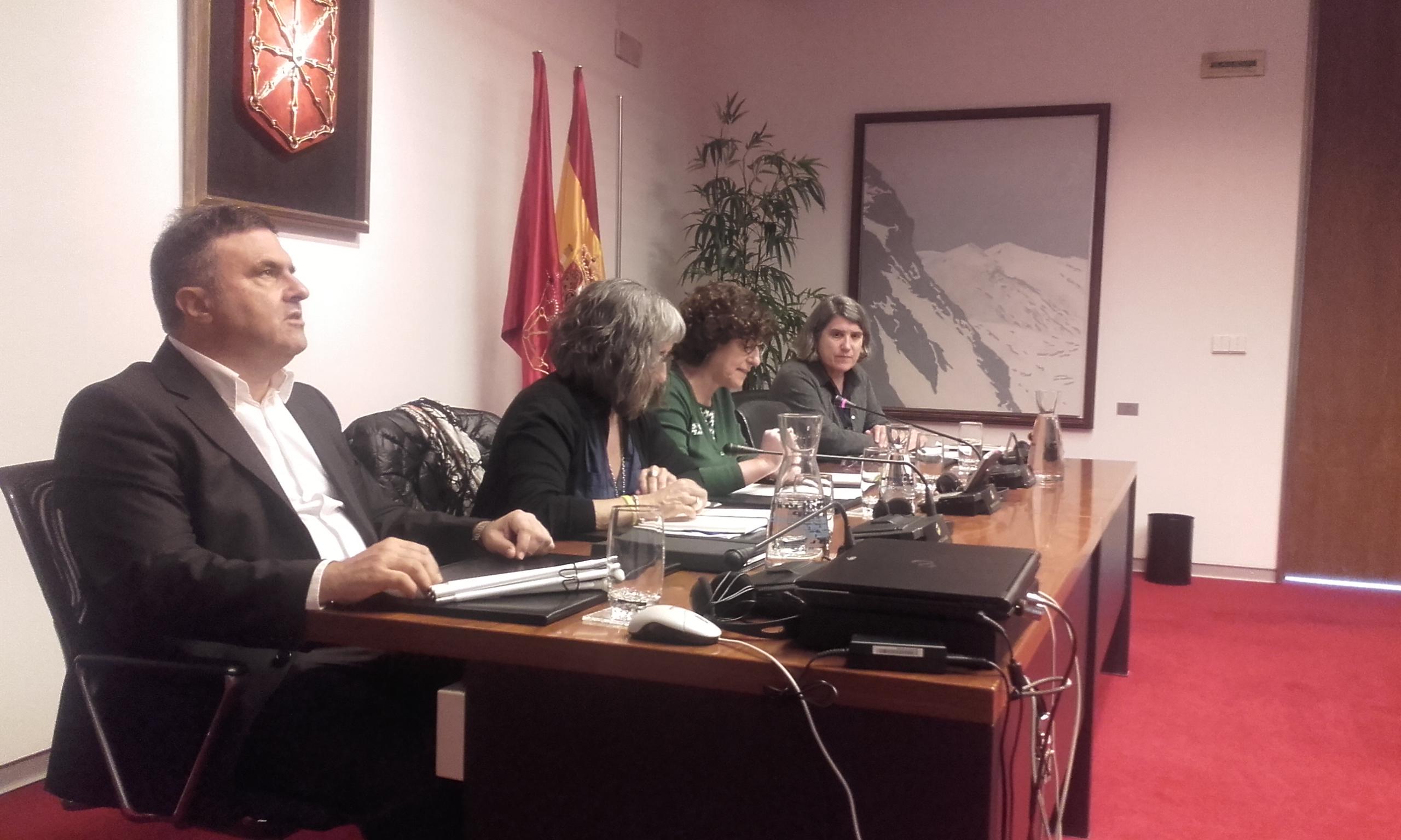 foto representantes de CERMIN y Parlamento