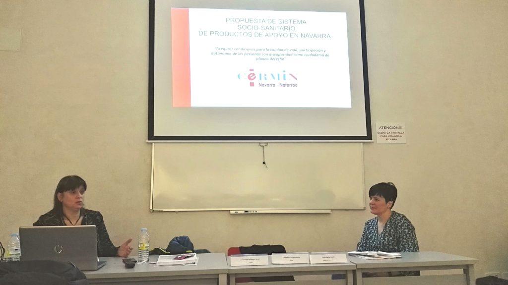 Sonia Ibáñez presentando la Propuesta de Sistema Sociosanitario de Productos de Apoyo en Navarra