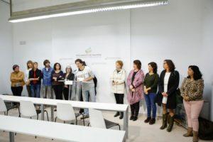 La Presidenta del Parlamento de Navarra, Ainhoa Aznárez Igarza, entre representantes de la PES y Parlamentarios/as