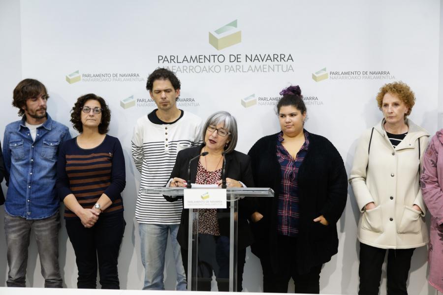 Mari Luz Sanz, Presidenta del CERMIN, leyendo el manifiesto de la PES