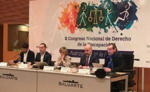 Mesa inaugural con representantes de organizadores y financiadores