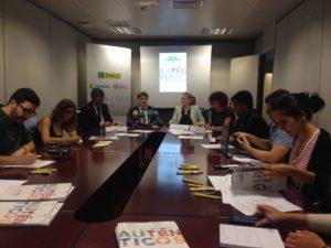 Imagen de la mesa durante la rueda de prensa