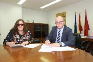 Ruiz López y Gimeno, en la firma del convenio