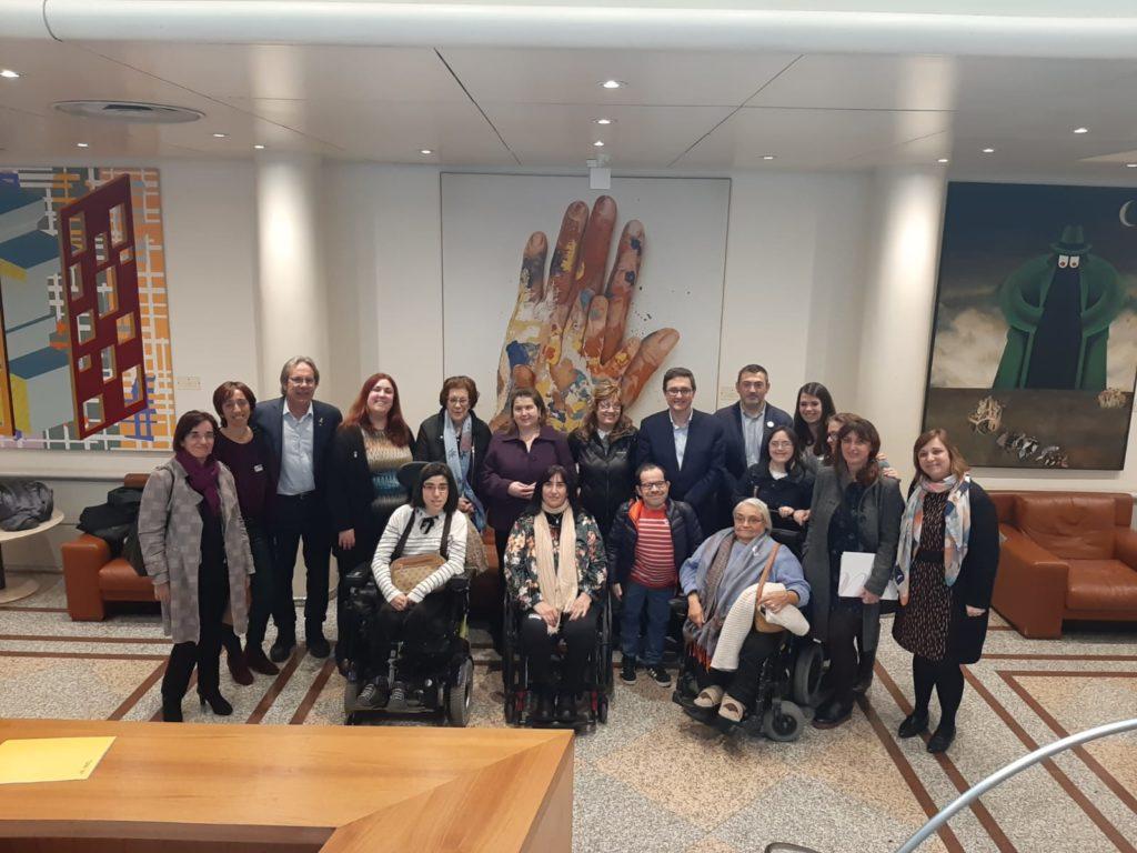 Imagen de representantes del CERMI Estatal y de la Fundación CERMI Mujeres