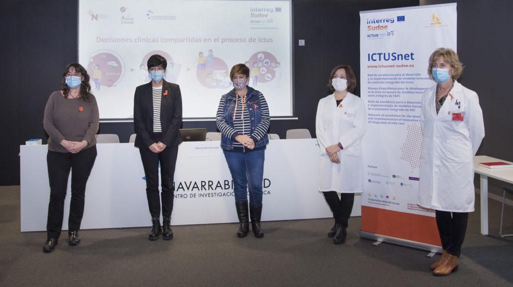 De izda. a dcha.: Pilar Seminario (familiar de paciente con ictus), Silvia Astráin (ADACEN), Iosune Etxebeste (paciente de ictus), María Herrera (CHN y Navarrabimed) y Marta Ancín (CHN)