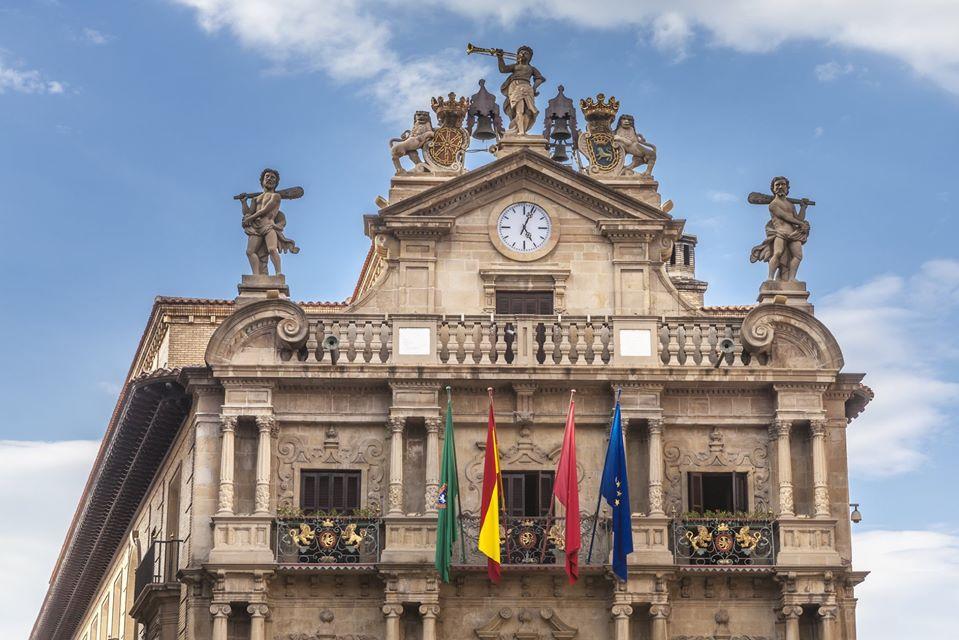 Imagen de la fachada del Ayto. de Pamplona