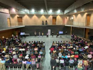 Imagen de la lectura del manifiesto de la FCM en Parlamento de Navarra el 25N de 2019