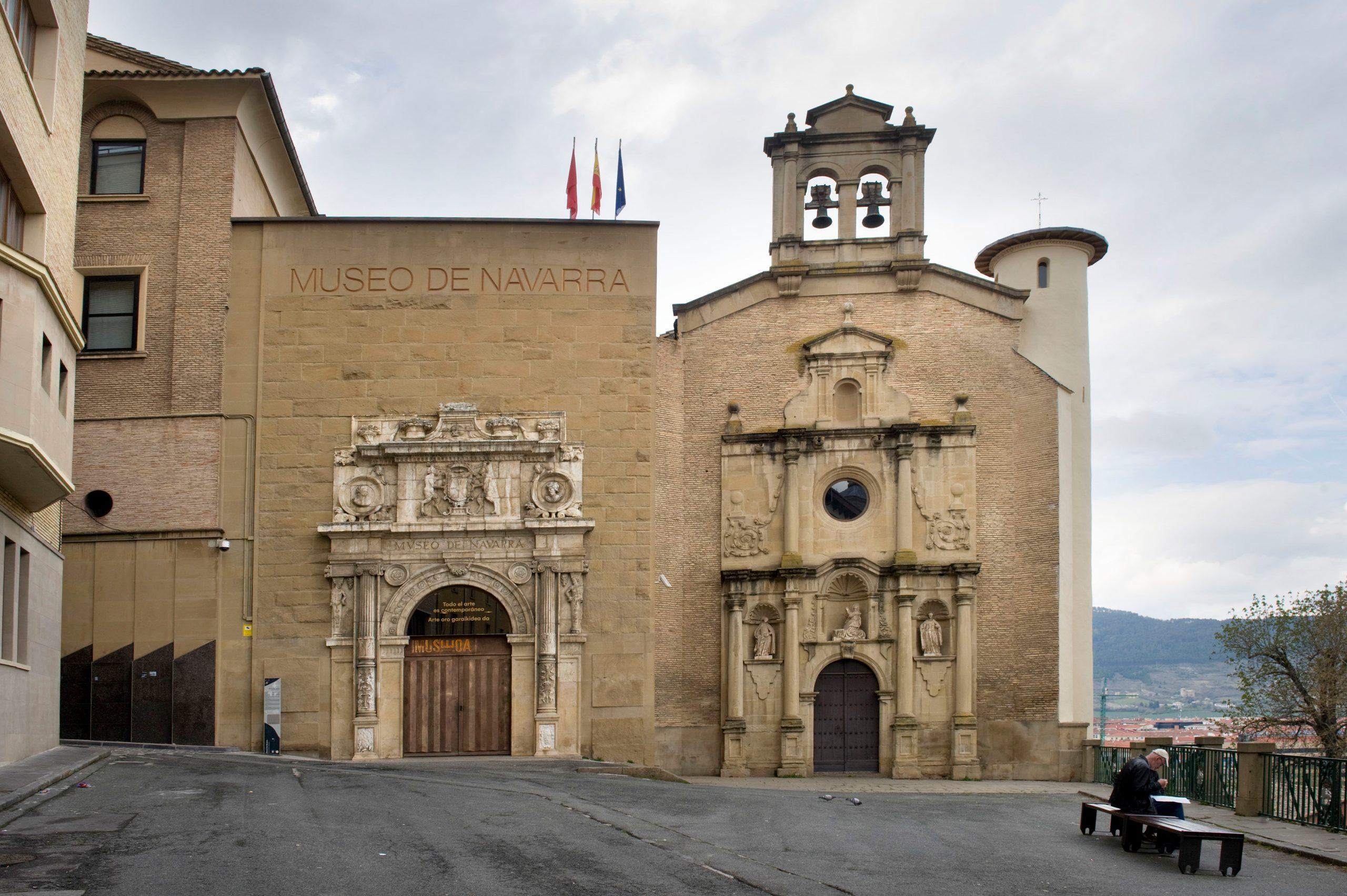 Fachada del Museo de Navarra