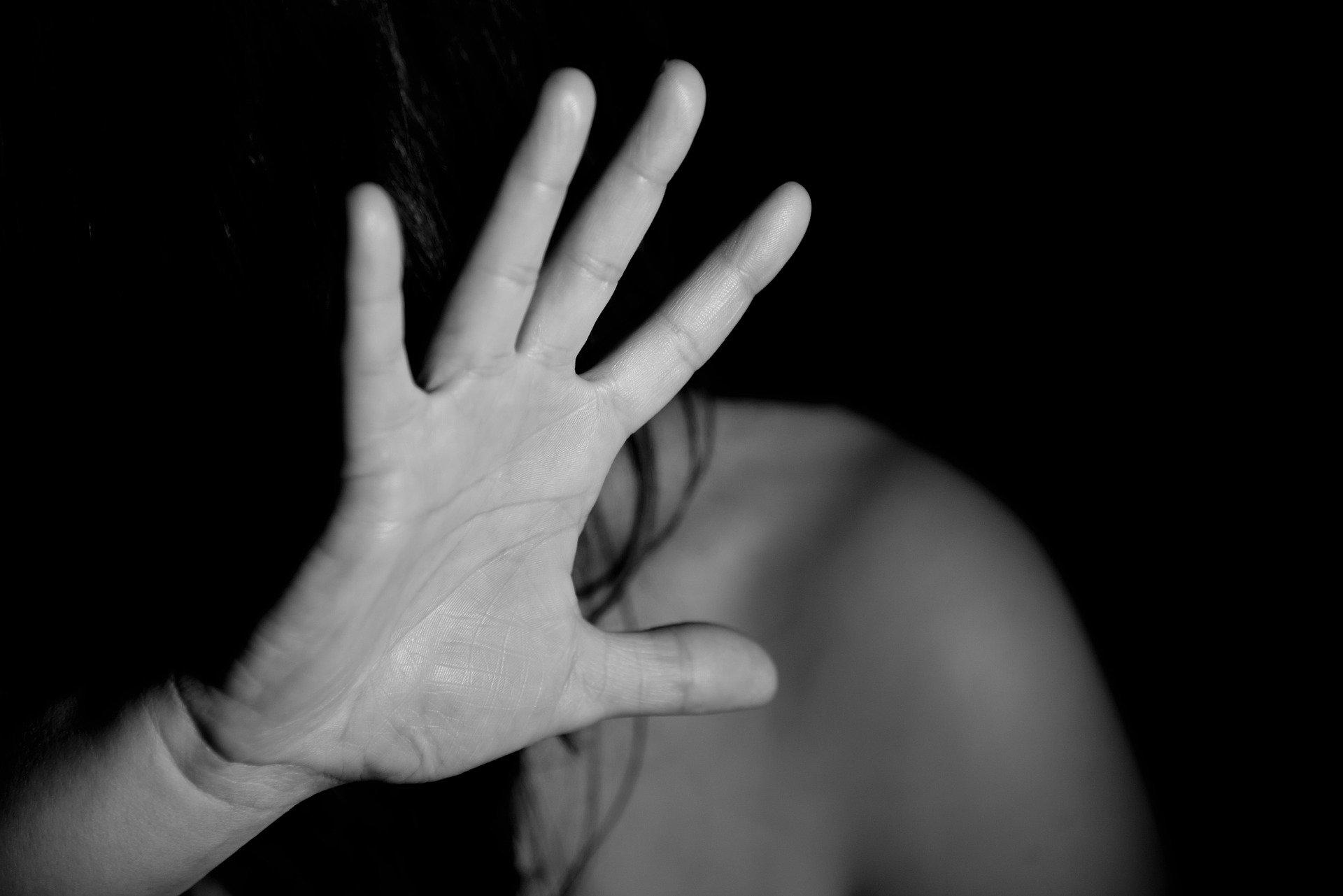 Imagen de la mano de una mujer