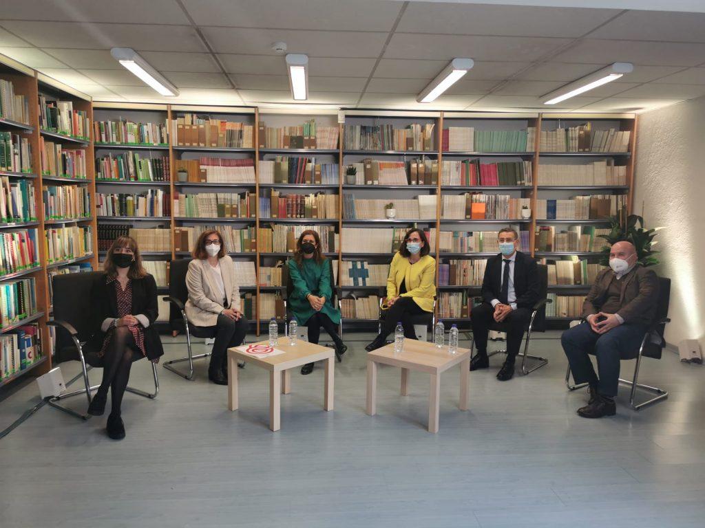 Foto de familia de la presentación del estudio