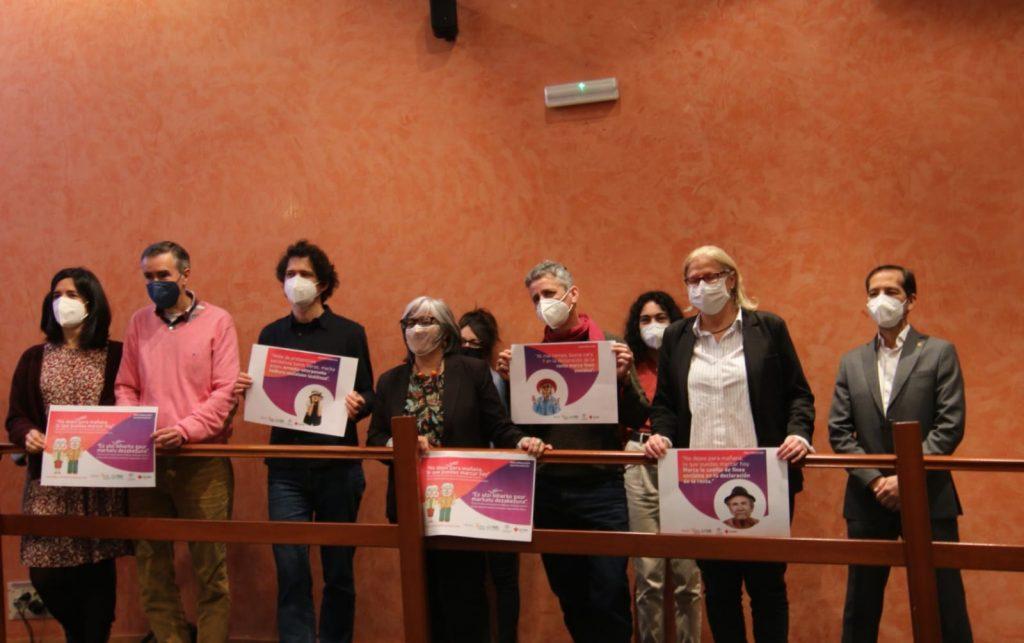 Imagen de grupo de los miembros de la PES tras la rueda de prensa