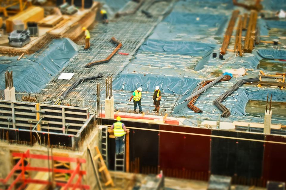 Imagen de unos trabajadores en una obra de construcción