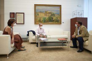 Fotografía de un momento del encuentro mantenido entre Unai Hualde y personas representantes de la Fundación Tutelar Navarra.